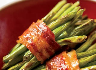 Bacon-wrapped green bean bundles recipe