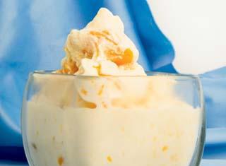 Homemade Fresh Peach Ice Cream