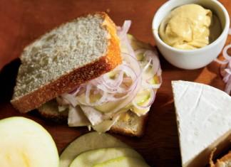 Turkey and Brie Sandwiches