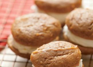 Pumpkin Whoopie Pies Recipe