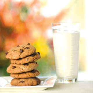 Low-Fat Chocolate Chip Cookies