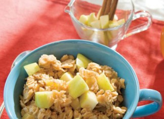 Golden Apple Cinnamon Oatmeal Recipe