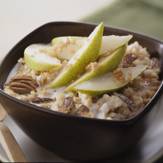 Hearty Oatmeal with Pears, Raisins and Pecans
