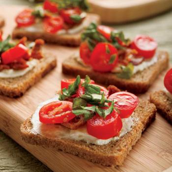 Open-Faced Bacon, Tomato and Basil Sandwiches Recipe