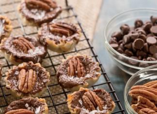 Chocolate Pecan Cheesecake Tarts
