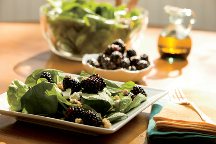 Wilted Spinach and Blackberry Salad With Goat Cheese